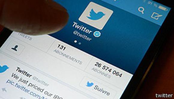 Twitter pide cambiar miles de contraseñas... por error