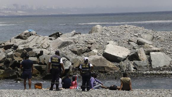 Se sancionará a los que incumplen medidas de prevención en playas del litoral. (Foto: Jessica Vicente / @photo.gec)