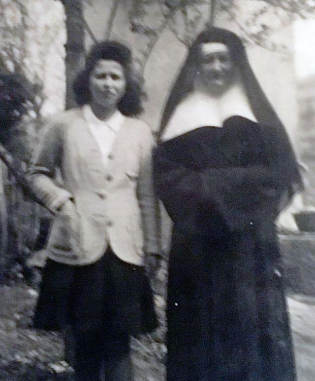 Annie junto a la hermana Bergon. (Foto: BBC Mundo).