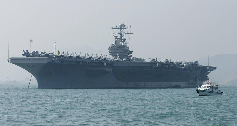 """Estados Unidos envía portaaviones USS Abraham Lincoln a Medio Oriente en respuesta a """"amenaza creíble"""" de Irán. (AFP)."""