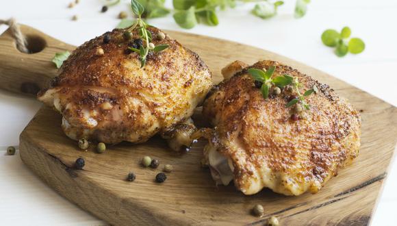 Preparar unos muslos de pollo en el microondas es más facil de lo que imaginas. (Pixabay)