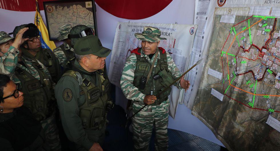 El ministro de Defensa da instrucciones a los altos mandos. (EFE/ Miguel Gutiérrez).