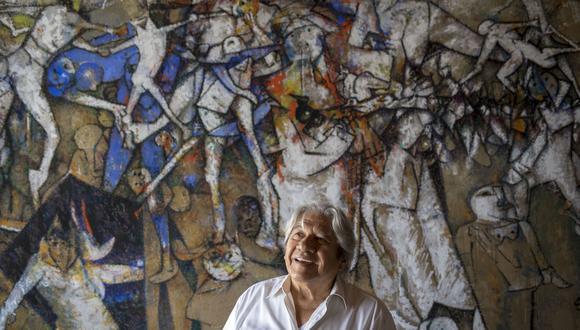 El artista Gerardo Chávez en su taller de Lima. Participa en el proyecto De Voz a Voz Perú con una obra inspirada en la figura del ekeko, el personaje andino de la abundancia. FOTO: Anthony Niño de Guzmán