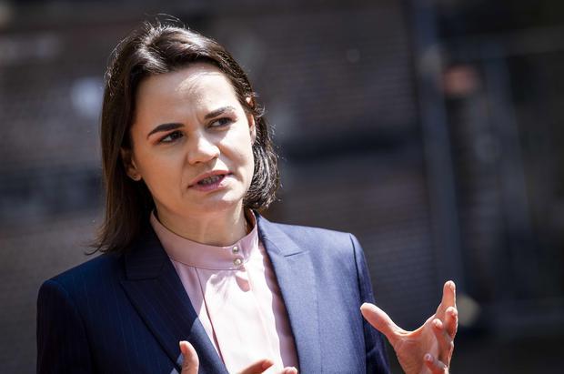 Svetlana Tijanovskaya, quien se postuló a la presidencia contra Lukashenko, también ha denunciado el trato a Protasevich. EFE