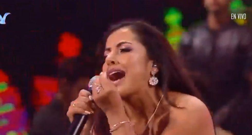 """Luz Merly Santa Cruz entonó su canción """"Por un mañana mejor"""" en el festival Viña del Mar 2020. (Foto: Captura)"""