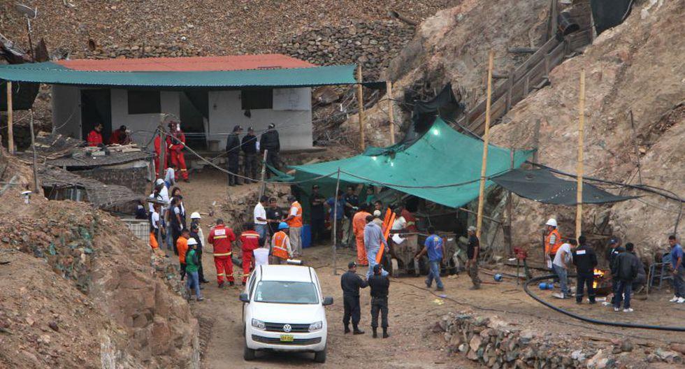 Recuperan el cuerpo de uno de los mineros atrapados en Acarí