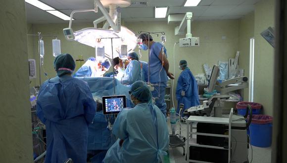 Se trató de una mujer de 42 años, diagnosticada con un tumor hepático en el hígado. (Foto: EsSalud)