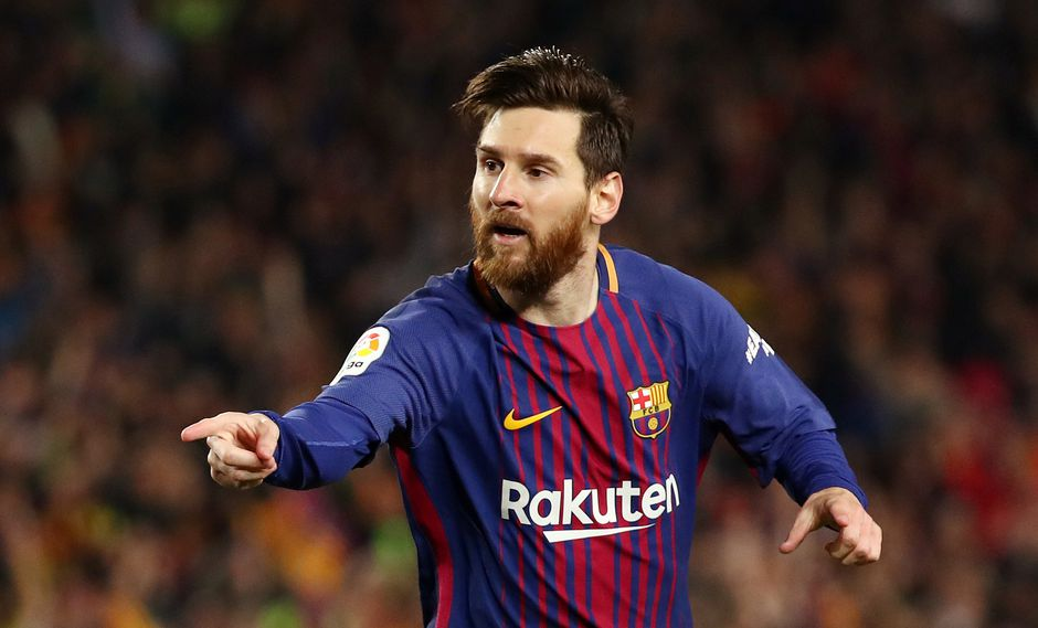 Lionel Messi firmó una nueva conquista ante el Real Madrid. Sin embargo, la anotación del '10' del Barcelona se vio manchada por una falta previa. (Foto: AFP)