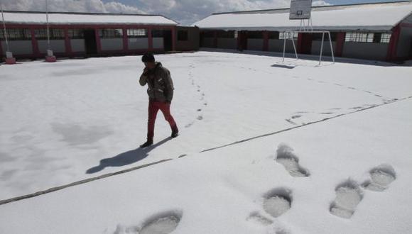 Arequipa soporta segundo día de nevadas y bajas temperaturas