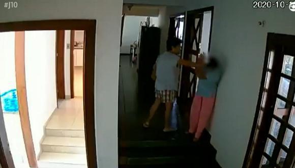 La embajadora Marichu Mauro fue convocada a Manila a fines del año pasado después de que la cadena de televisión brasileña GloboNews difundiera las imágenes de las cámaras de seguridad tomadas durante ocho meses, que mostraban los malos tratos que infligía a su empleada.