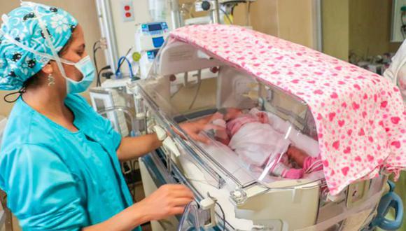 Esta mañana fue dada de alta la bebe de 19 días de nacida que resultó con problemas respiratorios tras la deflagración de gas en Villa El Salvador. (Foto: Difusión)