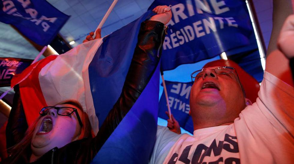 La ultraderecha francesa celebra el histórico triunfo de Le Pen - 7