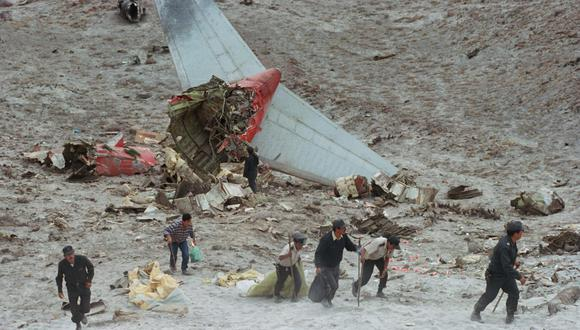 Tras el accidente, de la estructura del avión solo quedó la cola (Foto: Fredy Salcedo)