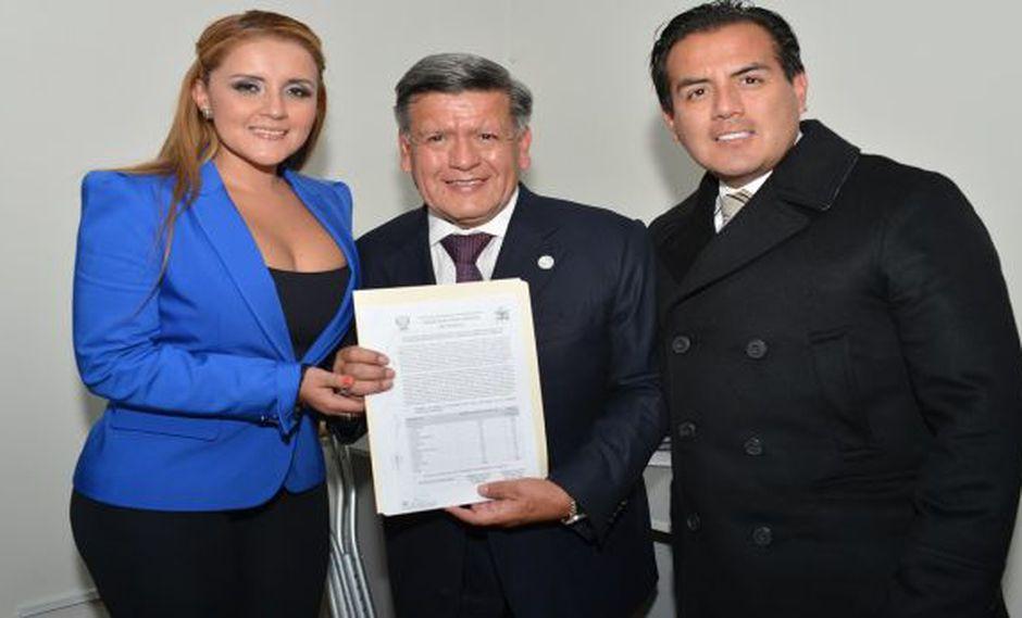 César Acuña fue proclamado presidente regional de La Libertad