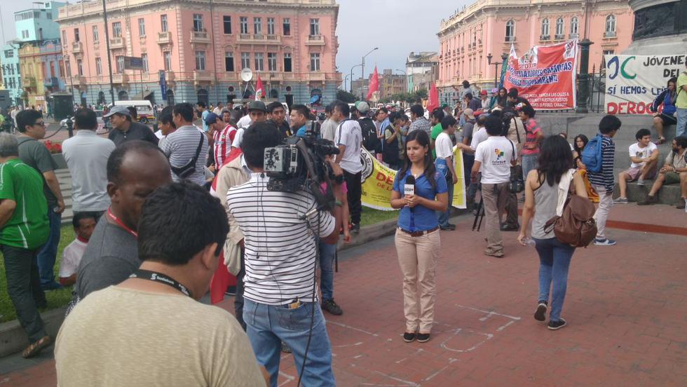 Régimen laboral: manifestantes toman la Plaza Dos de Mayo  - 3