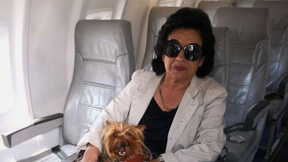 Lolita, la madre de Ferchy, pensó que la pasión de su hijo por los perros acabaría pronto pero no fue así. (BBC Mundo)