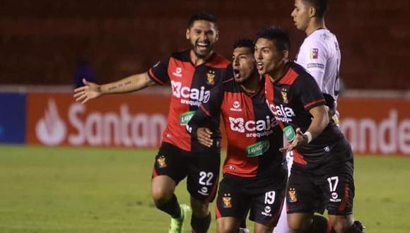 Melgar ganó 2-0 a Caracas en el estadio UNSA de Arequipa. El duelo se dio por la tercera ronda de la Copa Libertadores 2019 (Foto: agencias)