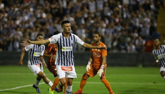 Mauricio Affonso consiguió el 1-0 mediante un gran cabezazo.   Foto: Violeta Ayasta/GEC