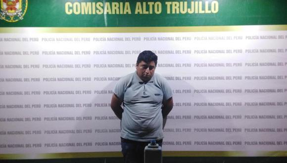 Óscar Mantilla Acosta permanece detenido en la comisaría de Alto Trujillo, en La Libertad. (Foto: PNP)