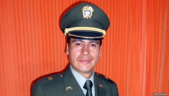 El policía gay que esperó 8 años para ponerse el uniforme