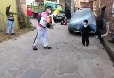 Junín: policías llevan show infantil a niños por sus cumpleaños hasta la puerta de sus casas (VIDEO)