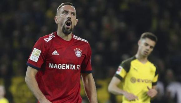 Bayern Munich, con Franck Ribéry, cayó 3-2 en su visita al Dortmund. (Foto: EFE)