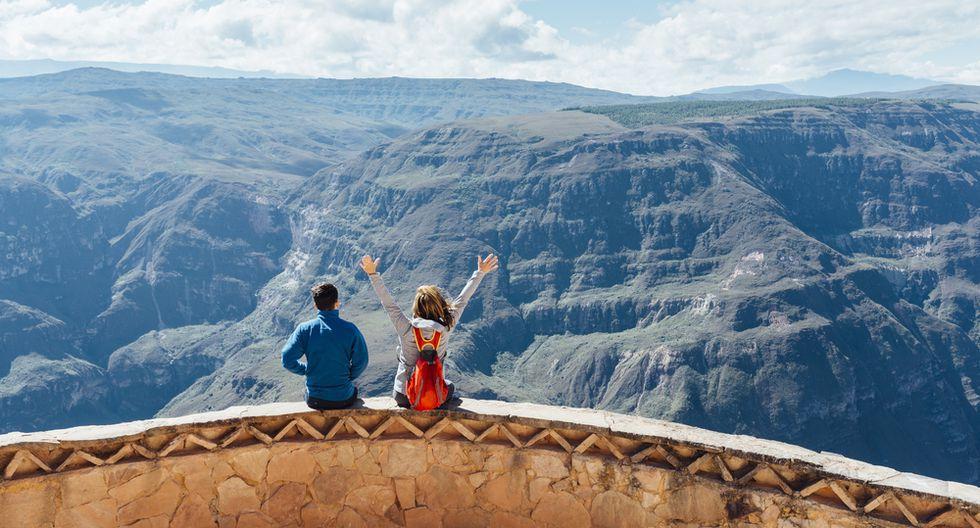 Antes de determinar adónde ir, considera quién(es) te acompañará. No es igual viajar con tu pareja, tus amigos, tus hijos o sola/o.(Foto: Shutterstock)
