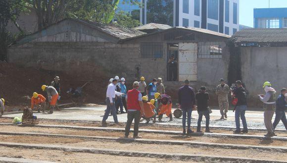 Presidente Martín Vizcarra inspeccionó el terreno donde se construirá hospital de campaña en Puerto Maldonado. (Manuel Calloquispe)