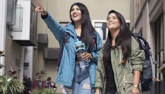 Fátima Sotomayor y Daniela Cabrera son las Misias pero viajeras. (Foto: Karen Zárate/ GEC)