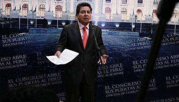 Ética inicia investigación preliminar contra congresista León