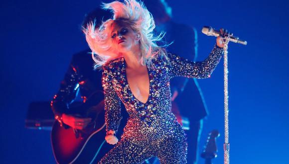 Caída de Lady Gaga reavivó miedo de que la estrella se hubiera lastimado en medio de un concierto como en 2013. (Foto: Reuters)