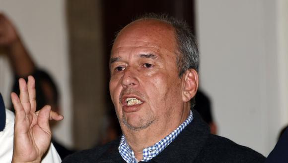 Los familiares del ministro de Gobierno, Arturo Murillo, se vieron forzados a huir hacia la selva de Cochabamba ante una serie de actos violentos contra una de sus propiedades. (AFP)