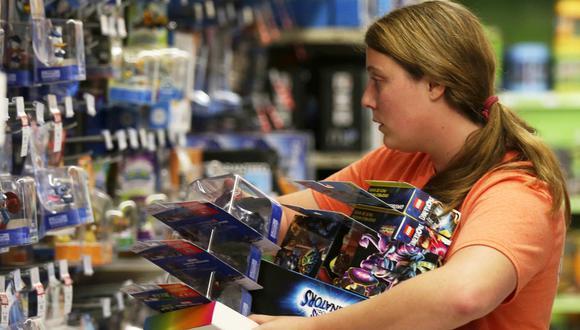 Como algunos de los juguetes son producidos y vendidos apresuradamente, pudieran obviarse protecciones de seguridad, dice el FBI. (Foto: AP)