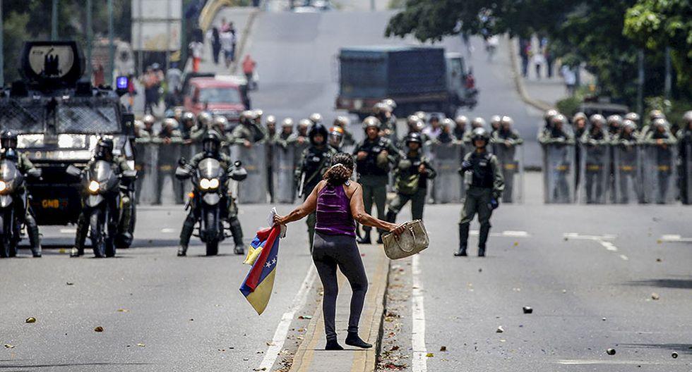 Venezuela: Duros enfrentamientos en calles de Caracas [FOTOS] - 7