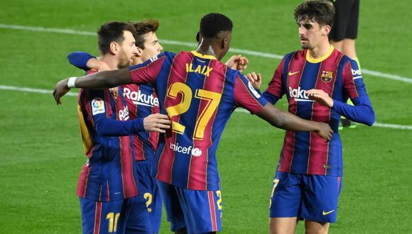 Barcelona le dio una paliza al Alavés, de la mano de Messi y quedó listo para el choque ante PSG por la Champions League.