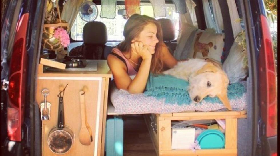 Así son las aventuras de una chica y su perro en una camioneta - 1