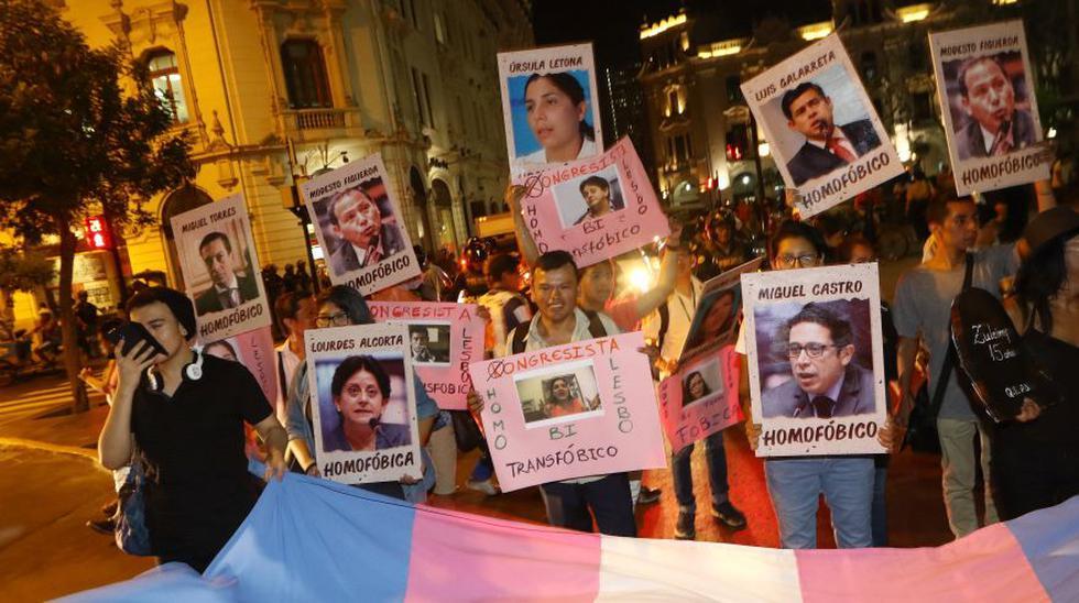 Plaza San Martín: plantón por 5 de abril y #YoApoyoDL1323 - 26