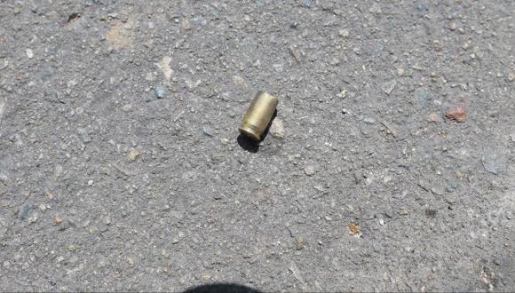 Bala perdida de policía hiere en el tobillo a una mujer
