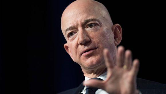 Bezos dijo que la editora del Enquirer, American Media Inc, dirigido por Pecker, un amigo de Trump, le había amenazado con publicar fotos si no detenía una investigación. (Foto: AFP)