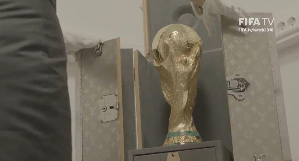 La FIFA mostró cómo es que se traslada la Copa del Mundo que será entregada al campeón de Rusia 2018. (Autor: FIFA)