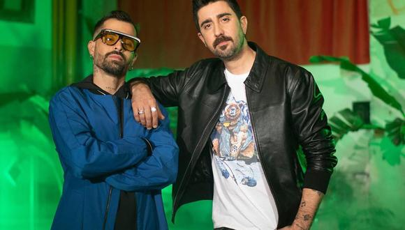 """Mike Bahía y Álex Ubago durante las grabaciones del videoclip de """"Si tú te vas"""" (Foto: Instagram de Álex Ubago)"""