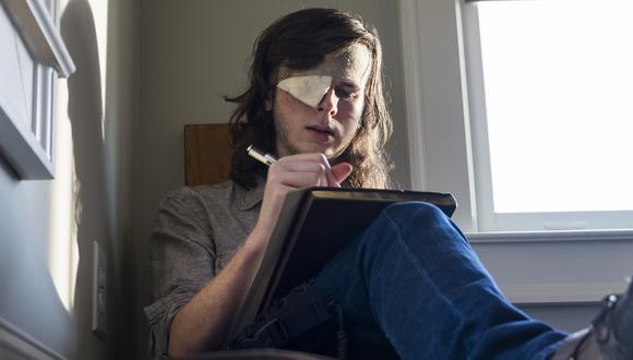 """""""The Walking Dead"""". Carl protagoniza las fotos lanzadas por Fox para promocionar el regreso de la serie. (Fuente: Difusión)"""
