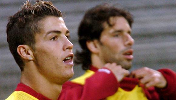 Cristiano Ronaldo y Van Nistelrooy coincidieron en Manchester United y Real Madrid. (Foto: AFP)