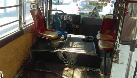 Trujillo: asaltan y queman microbús por no pagar extorsión