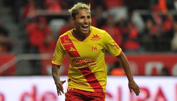 Raúl Ruidíaz anotó 39 goles en 68 partidos con Monarcas Morelia. (Foto: AFP)