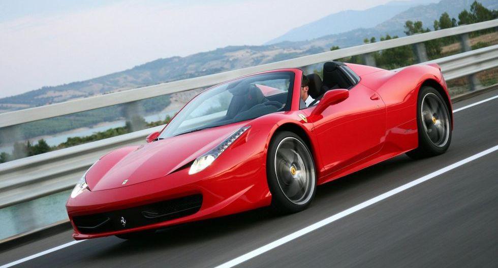 Ferrari 458 Spider: Con su motor V8 de 570 HP, el 458 convertible fue una de las joyas más preciadas por la exfigura de los Lakers.