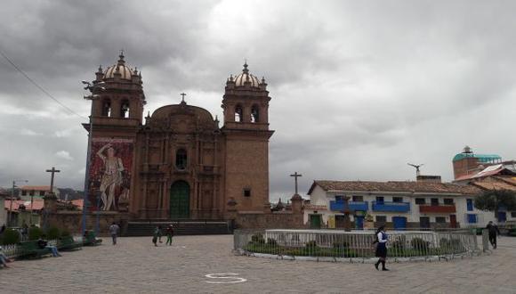 Firman convenio para reconstruir iglesia de San Sebastián