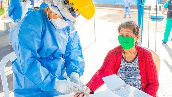 """Se detectaron los casos positivos durante un tamizaje masivo realizado por la Dirección Regional de Salud (Diresa) del Callao, como parte del programa """"Abuelitos Sanos"""". (Difusión)"""