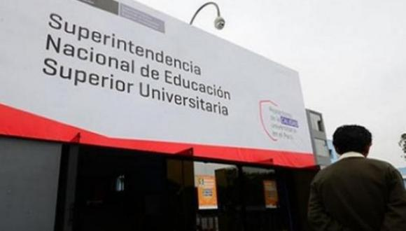 El ministro de Educación, Idel Vexler, señaló que sigue evaluando la permanencia de Lorena Masías en el cargo, pese a que ya transcurrieron 10 días desde que la funcionaria concluyó su mandato (Foto: archivo)