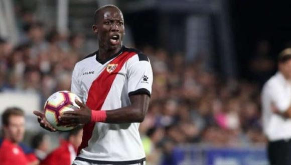 Luis Advíncula tiene contrato con Rayo Vallecano hasta junio del 2022. (Foto: Agencias)